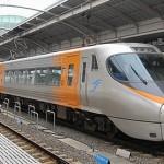 JR高松駅で見た高速バスとJR四国の列車達