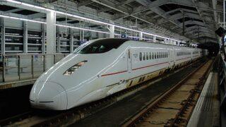 九州新幹線800系「つばめ」 鹿児島中央駅にて
