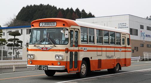 伊予鉄南予バス 1065号車(日野K-RL321)を追いかけてみる