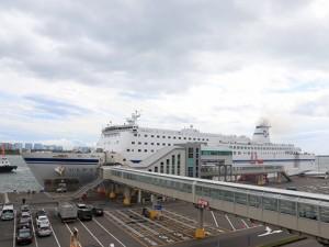 太平洋フェリー「新いしかり」  苫小牧港にて