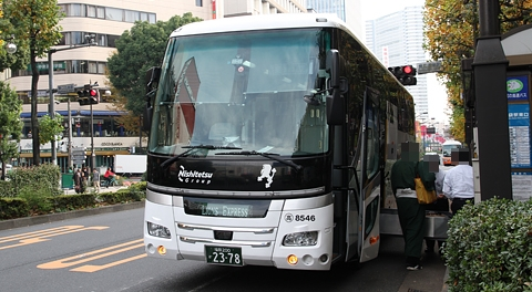 西鉄高速バス「ライオンズエクスプレス」2378 池袋到着(H24.11.29)