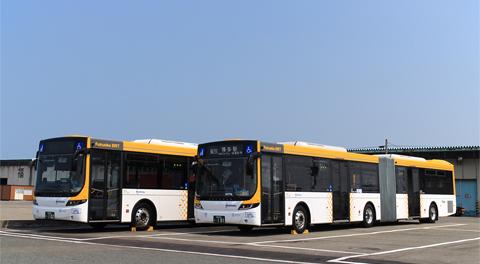西鉄 福岡連接バス 0101&0102 中央ふ頭折り返し場にて