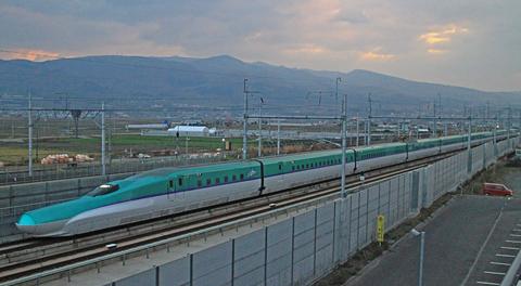 北海道新幹線に乗って新函館北斗駅でH5系/E5系を撮影してみました