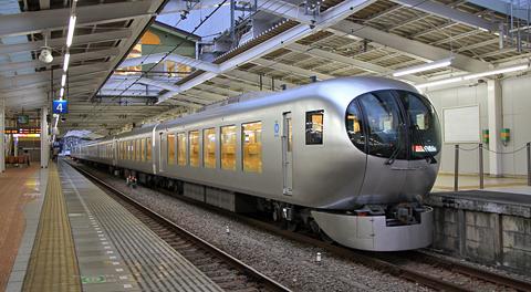 西武鉄道 001系「Laview」 アイキャッチ用 480