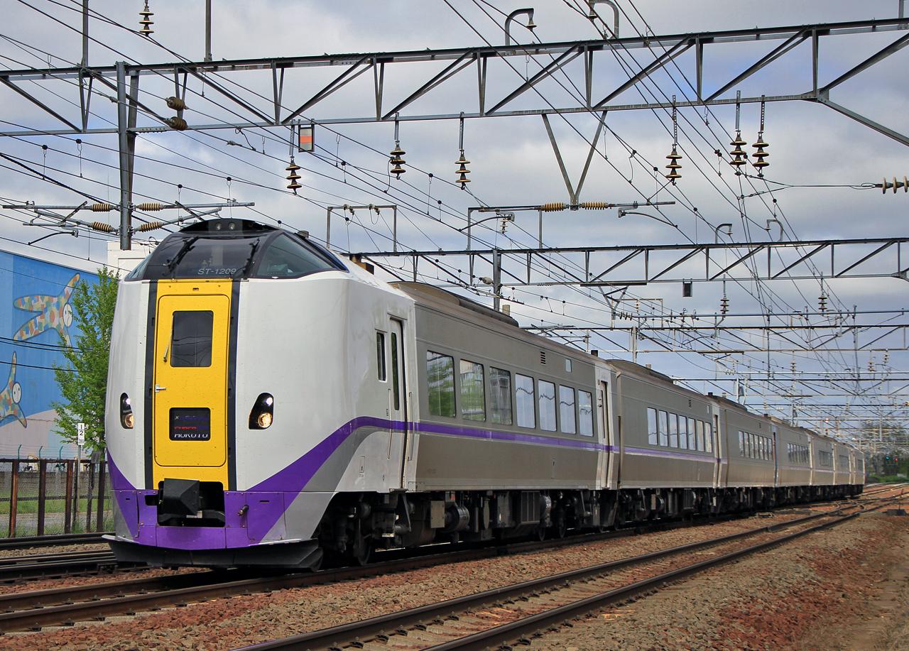 JR北海道 261系1000番台「スーパー北斗」ラベンダーカラー 20180526