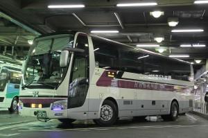 阪急バス「えひめ号」3233
